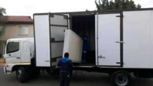 شركة نقل اثاث من الرياض الي الثقبة